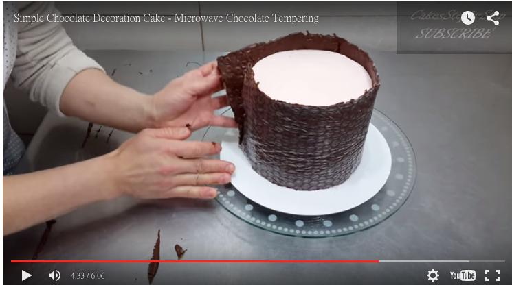 看到這個女人用泡泡紙包蛋糕時,先不要笑她傻…因為你看了也會忍...