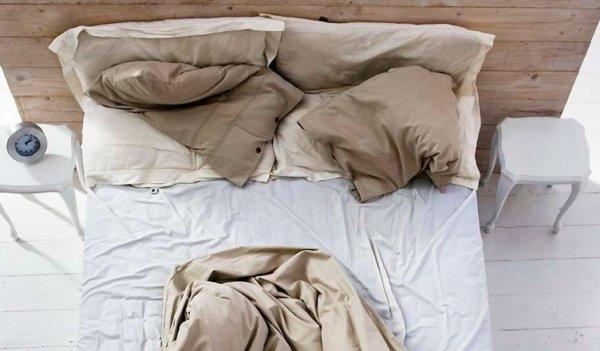 起床後千萬不要再「折棉被」!後果實在太嚴重了.......