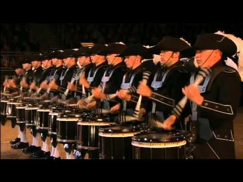 瑞士最高機密鼓樂隊一露面,觀眾們立刻被震撼的說不出話來!...