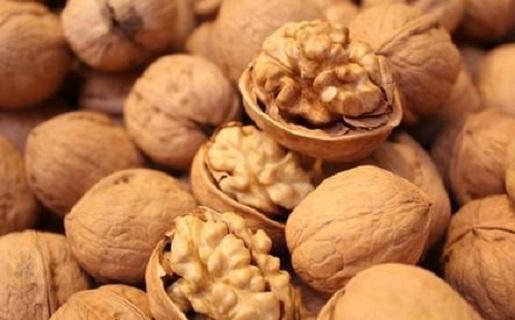 秋天是最適合吃「堅果」的季節!尤其是這4種,補腦抗老、潤腸通...
