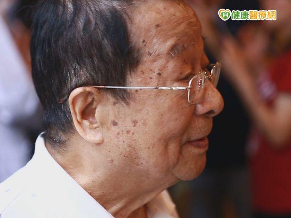 肺癌4期非絕症75歲老翁治癒5年未復發...