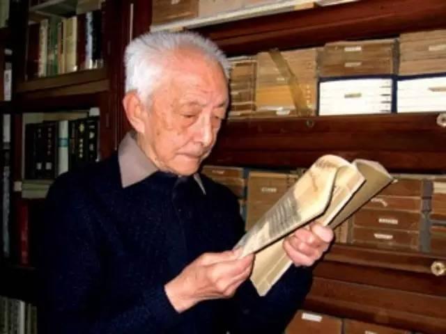 112歲老中醫臨終前揭秘自家祖傳的100種養生秘方!第一條你...
