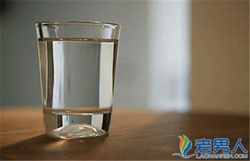 40歲以上男女床頭必留的三杯水~...