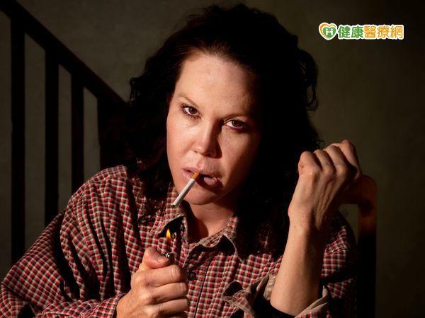 想要變漂亮戒菸就對了...