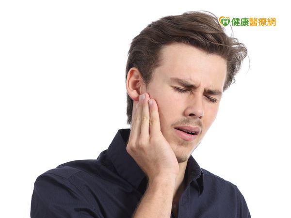 文明病有解耳朵痛竟看顎面整形外科醫師...
