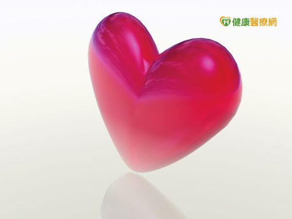 婦人出現擴張性心肌症放置人工心臟救回一命...