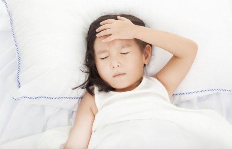 一隻蚊子叮到這麼嚴重!小兒登革熱、感冒、諾羅病毒症狀都差不多...