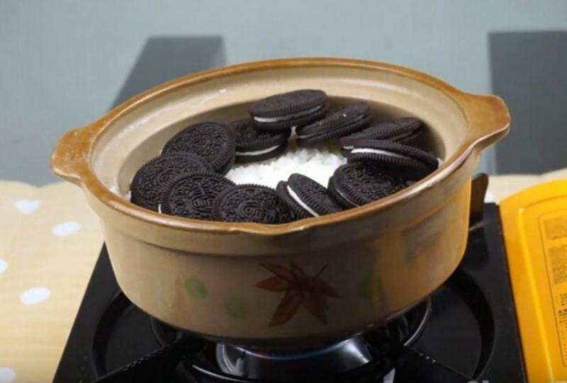 暗黑系甜蜜料理OREO煲仔飯問世,沒想到竟然這麼好吃!一定要...