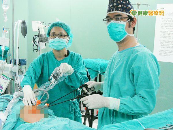 胸腔鏡微創手術治食道閉鎖避免脊柱側彎...