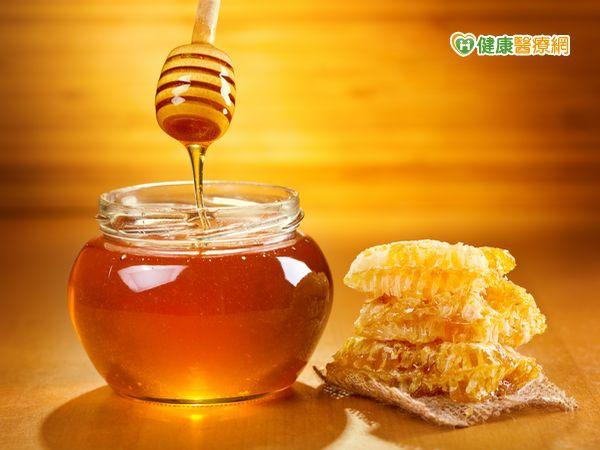 造假蜂蜜疑慮3原則教你辨真假...