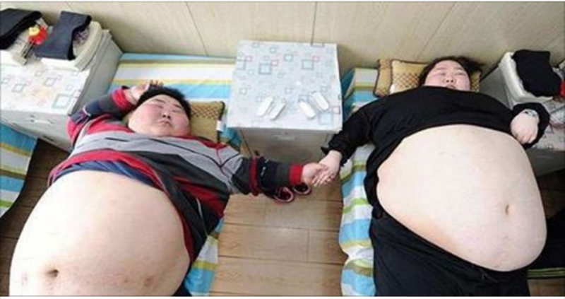 兩人體重加起來360公斤的年輕夫妻竟然下定決心減肥,原因卻讓...