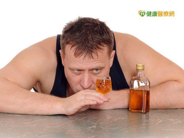 長期酗酒小心接受手術時不易麻醉...