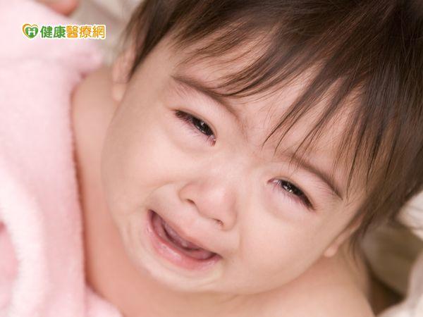 嬰兒遭蚊咬抓破皮竟變蜂窩性組織炎...