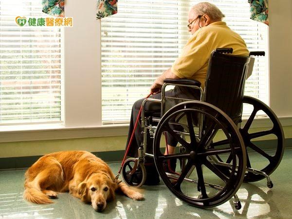 銀髮族憂鬱兩大特徵用心關懷家中老人...