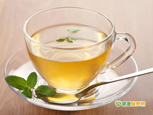 喝綠茶好處多兒茶素能抑制細胞癌化...