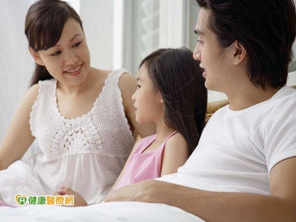 研究:父親說床邊故事效果更佳...