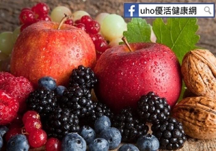 曬黑怎麼辦?!多吃「天然美白食物」準沒錯...葡萄、藍莓都是...