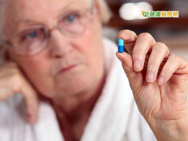 服高血壓藥容易健忘?醫:不吃才會失智...