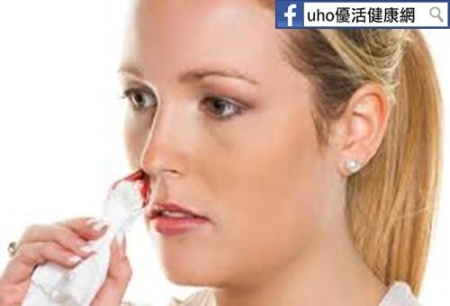 婦人鼻血不止鼻腔藏惡瘤!...