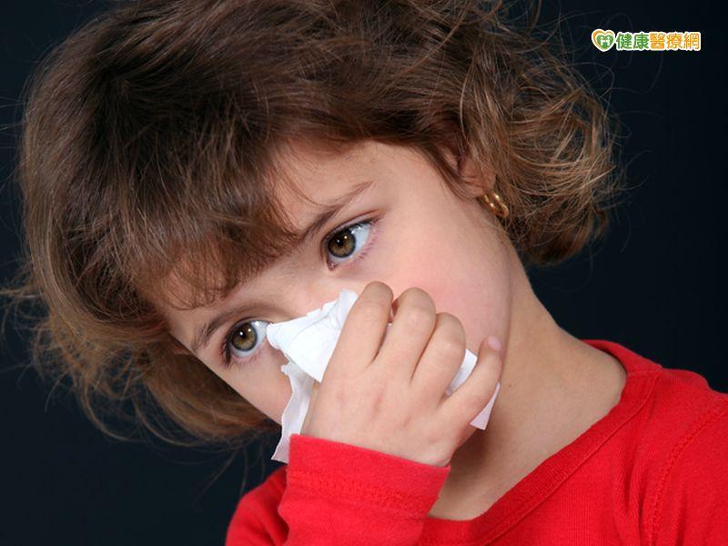 孩子常感冒咳嗽好不了原來是氣喘...