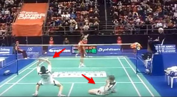 羽毛球史上「最刺激」的一場比賽,直接把對手給打跪下!那一球擊...