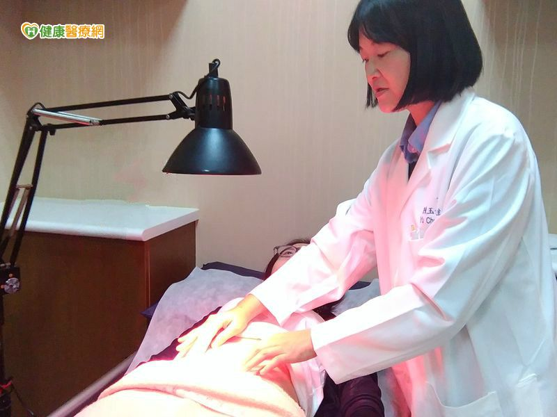 薰臍療法治氣喘、過敏作用有如益生菌...