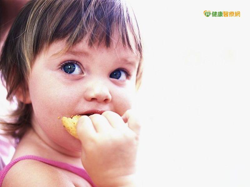 嬰兒使用抗生素較容易食物過敏...