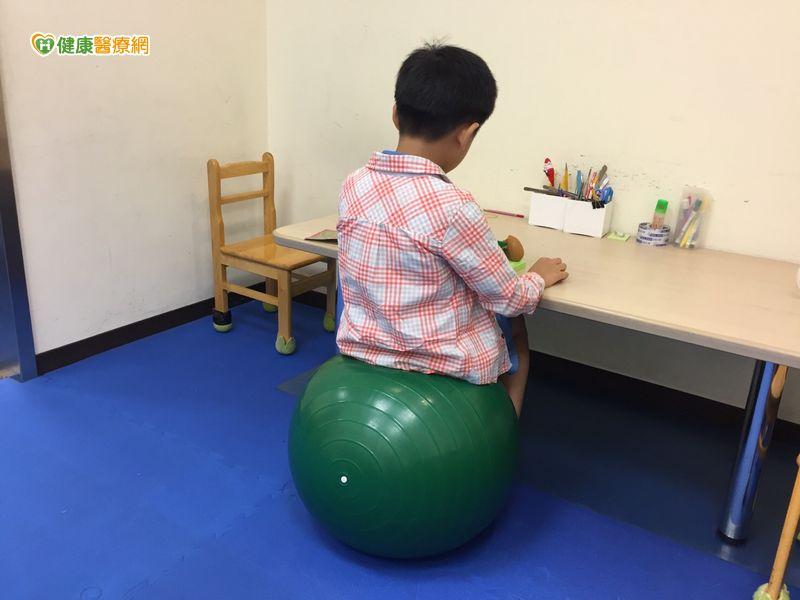 治療球提升學習、穩定情緒先評估才行...