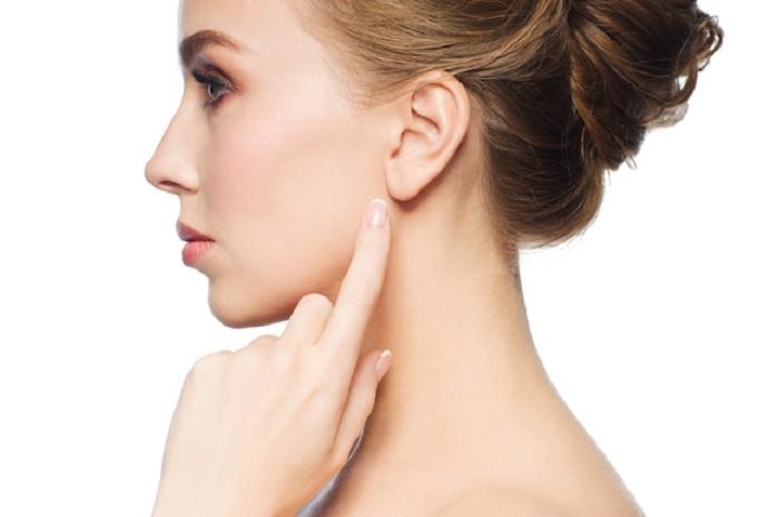 短短幾分鐘也會有顯著的美容效果哦♡「耳垂按摩」可以瘦臉&治療...