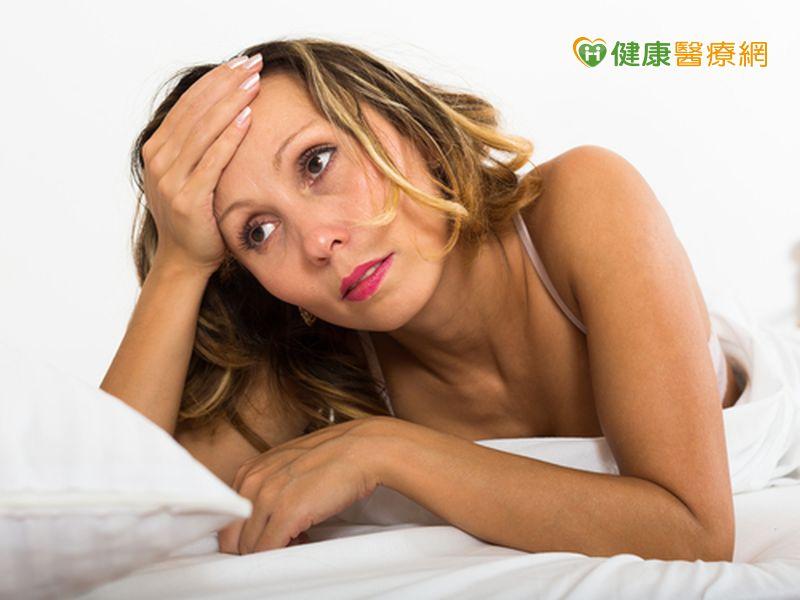髮線倒退、眉毛稀疏停經女性落髮困擾多...