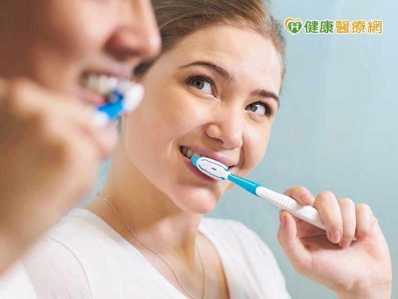 植牙不是萬能!術後仍需維持口腔衛生...