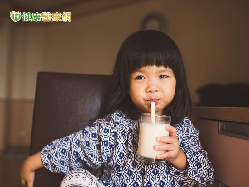 小時候喝豆漿預防成年骨質流失...