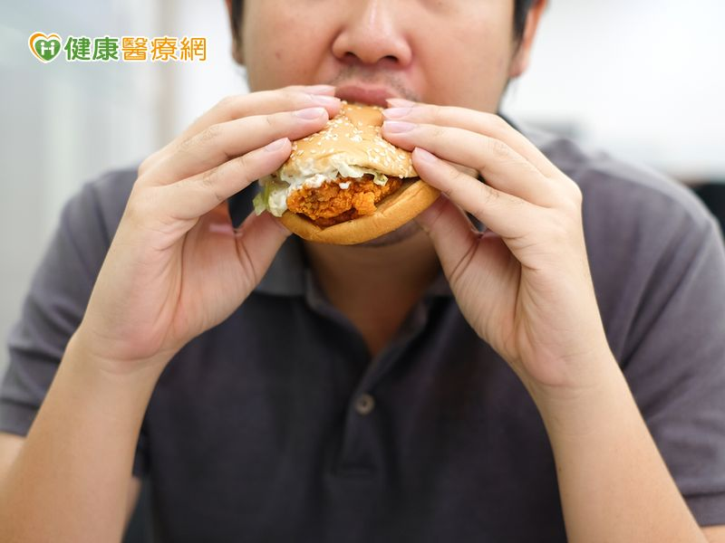 愛肉食又重口味35歲男大腸癌第三期!...