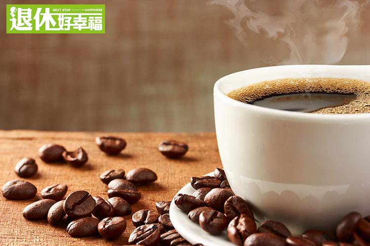 媽媽老是說,少喝咖啡一點咖啡否則會導致骨質疏鬆?!營養師建議...