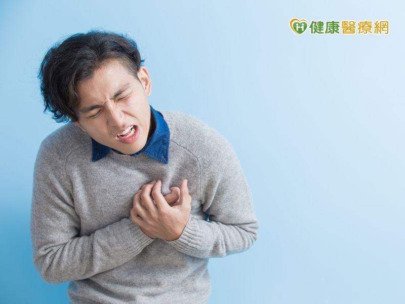 30歲廚師兩年內經歷5次急性心肌梗塞每半年進心導管室救命...