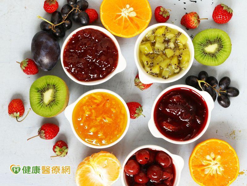 水果有多種吃法果醬、果乾和烹煮的營養有差異...
