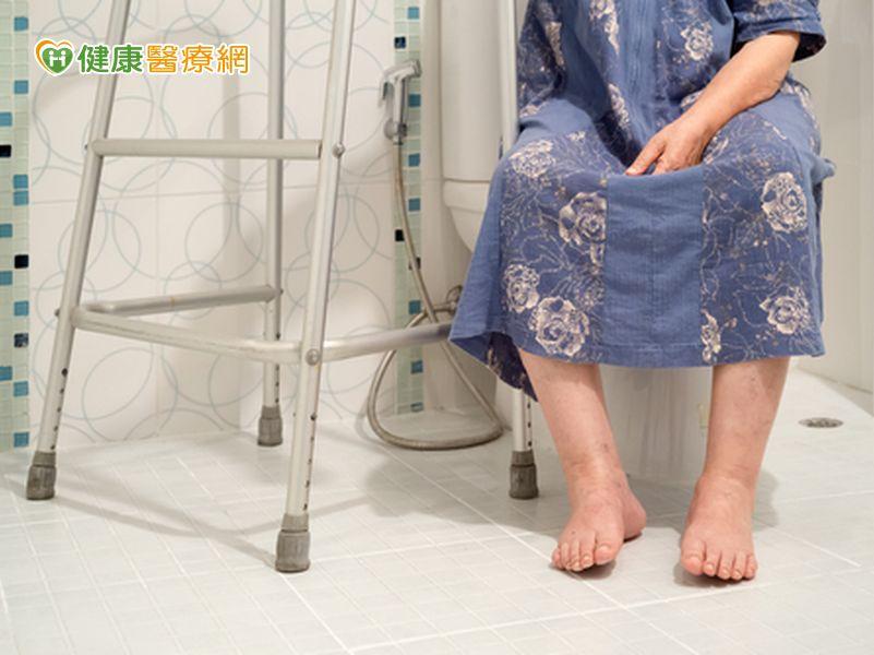 8旬婦膀胱脫垂竟是數十顆膀胱結石惹禍...