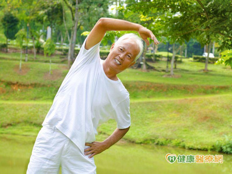 老人有兩種病容易失能短壽...