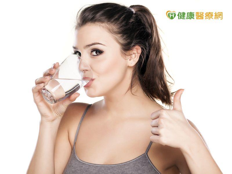 愛喝水很困難?小祕訣養成習慣...