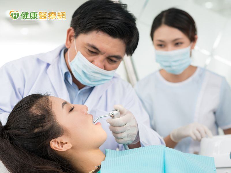 多專科協同診療全面維護牙周健康...