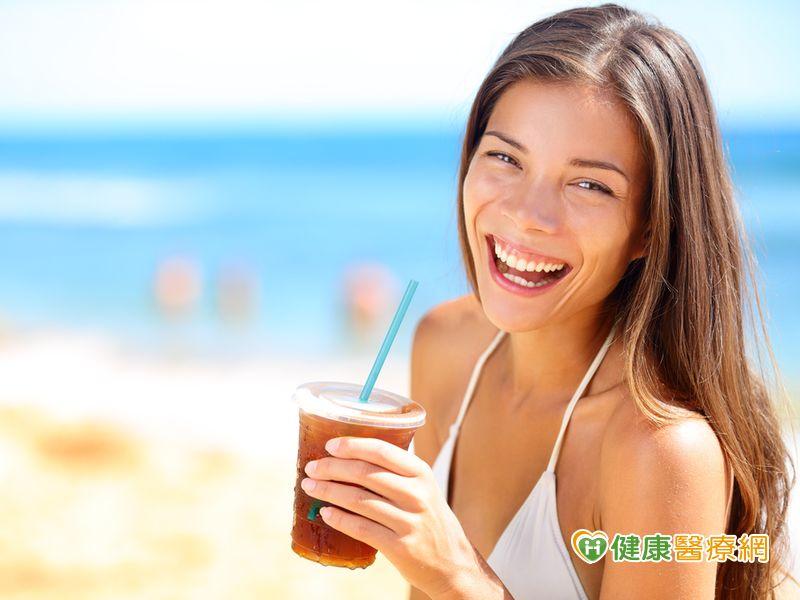 有冰飲料含糖量一樣高無糖去冰較好...