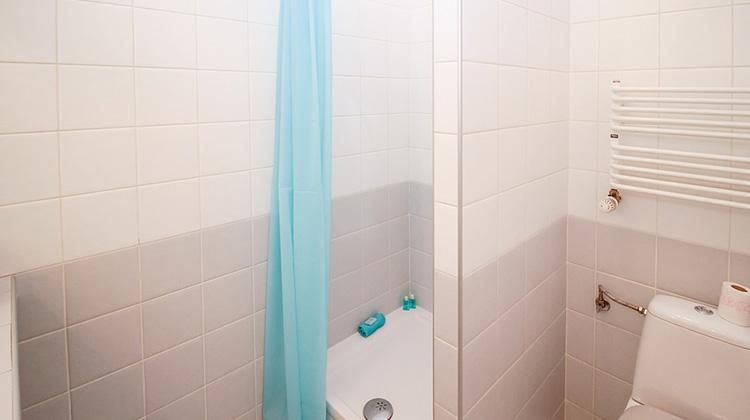 打開窗戶,洗冷水澡,寒冷真的有益于健康嗎?...