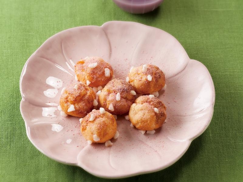 清幽的花香佐以鬆軟的輕盈口感~櫻花米粉法式小泡芙,讓櫻花的香...