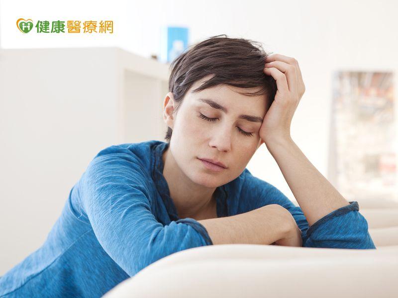 一天狂睡二十小時還是累原來是癌疲憊...