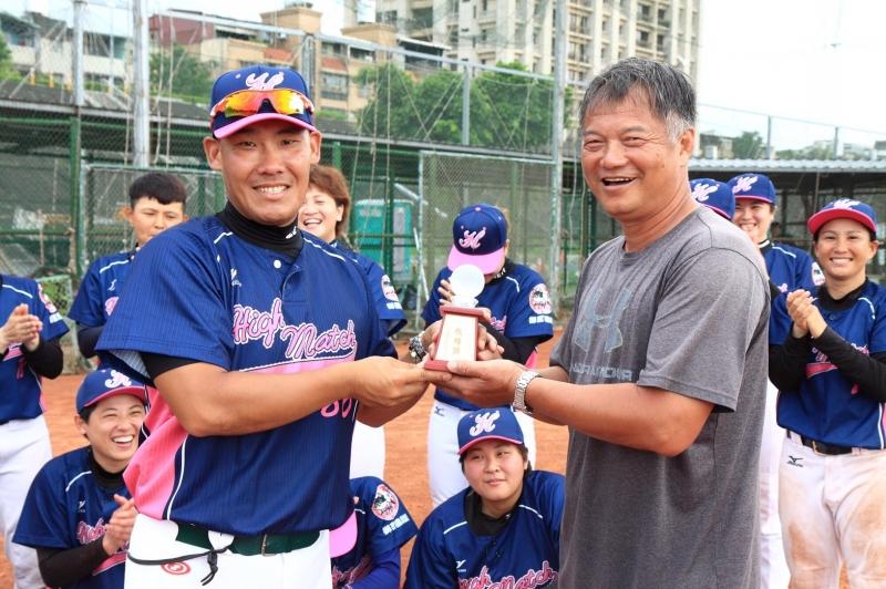 台北御聖HighMatch女子棒球隊-總教練陳家豐專訪...