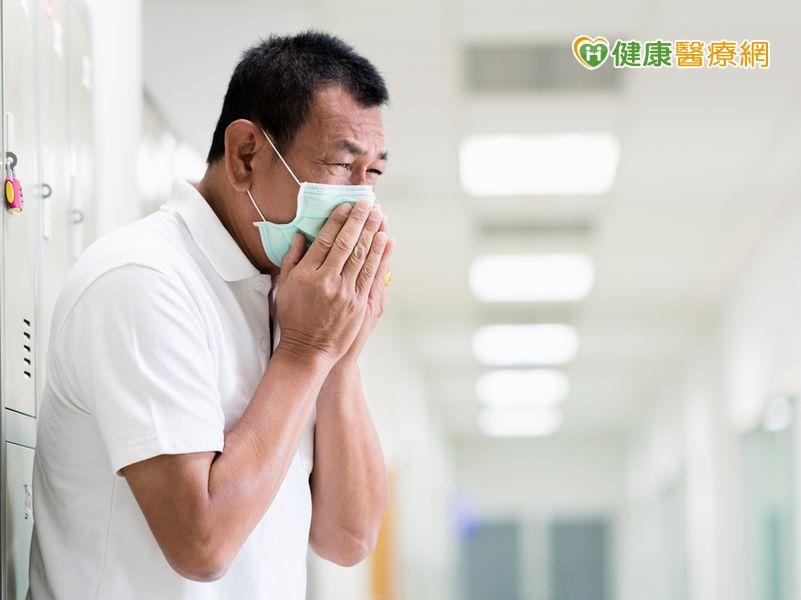 流感疫情高峰就診人次翻倍!...