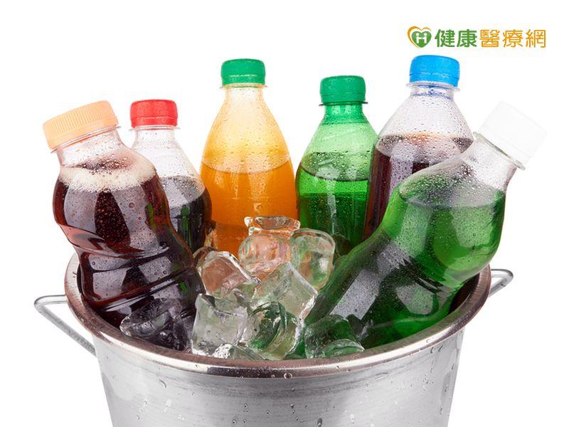 飲冰品抽驗新北市1成不合格...