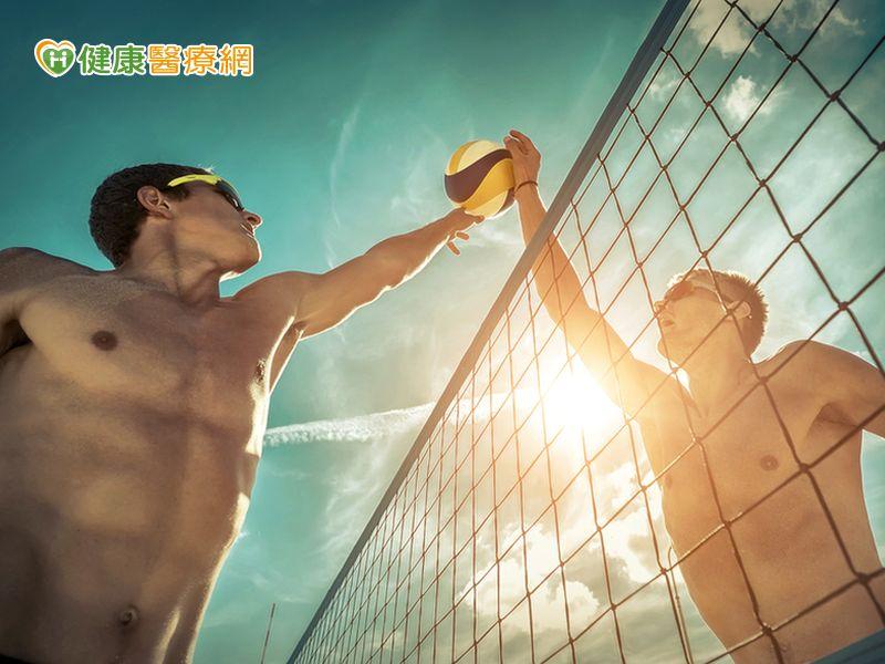 烈日高溫下別運動熱傷害急診暴增...