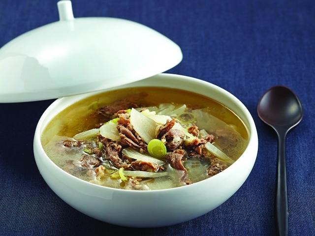 無論誰都喜歡的蘿蔔牛肉湯,清爽卻又醇厚的湯頭將美味你的每一天...