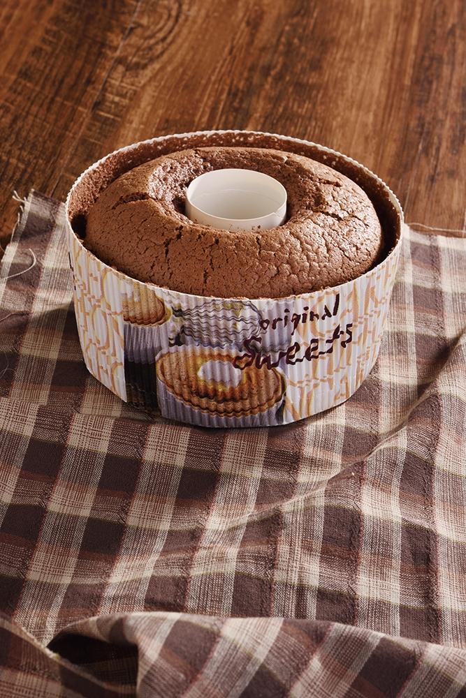 【食譜】甜蜜蜜的《巧克力戚風蛋糕》這樣做,咬下的每一口都是浪...